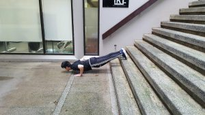Incline Pushup 4
